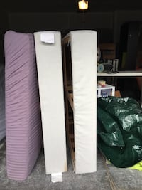 1 used queen size mattress + 2 spring boxes Bellevue, 98007