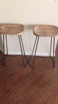 two brown wooden bar stools Fairfax, 22033