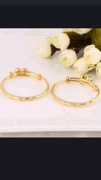 three gold-colored rings 2345 mi