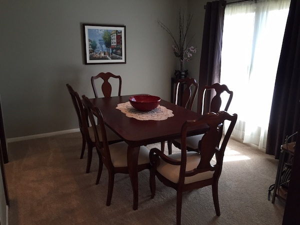 Used Huffman Koos Martinique Dining Table Leaf Chairs For