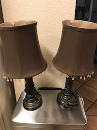 2 night stand table lamp North Las Vegas, 89031
