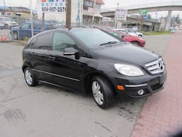 2009 MERCEDES BENZ B200 LOW KM!