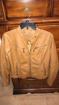 Brown leather zip-up jacket L Brownsville, 78520