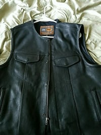 First classics brand leather vest. Never worn 388 mi