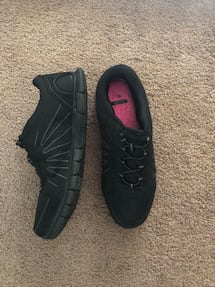 Black sneakers size 9