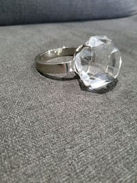 Diamond Ring Paper Weight Mississauga, L5N 1V5