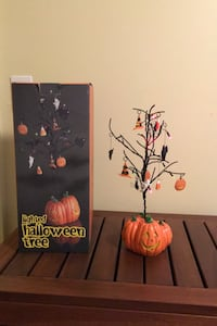 Lighted Halloween Tree-