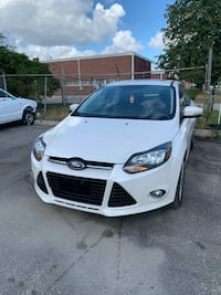 2013 Ford Focus titanium 4dr sedan Toronto