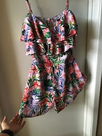 ROMPER - Floral, form filling at waist, Great braless cause of ruffles Houston, 77042