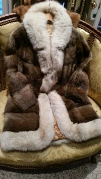 Real fur coat Richmond Hill, L4C 6E4