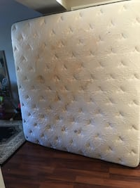 White and blue floral mattress Grey Highlands, N0C