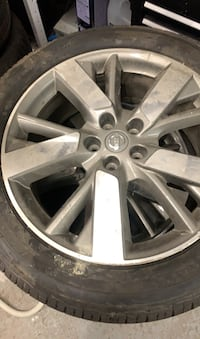 2016 Nissan Pathfinder time and tires 20 inch