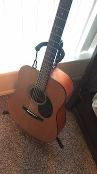brown and black acoustic guitar Alexandria, 22306
