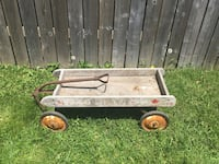 Vintage Eatons wooden wagon needs refinishing $20 Hamilton  west mtn. Hamilton, L9C 3Z5