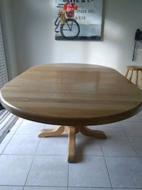 Solid Oak Table, Natural Stain Vaughan, L6A