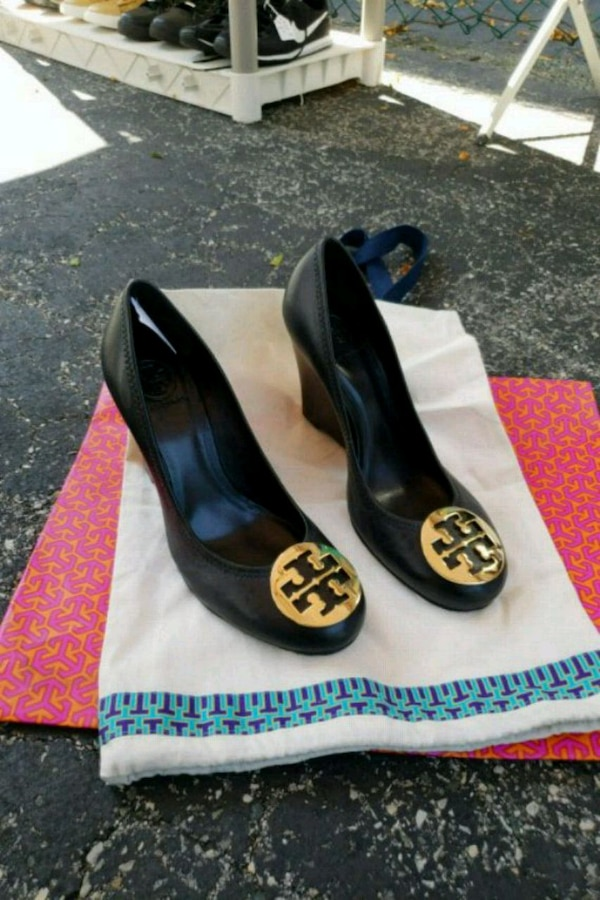 501052ce8c57 Used pair of black leather peep-toe pumps for sale in Bronx - letgo