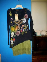LADIES !!! CHECK THIS OUT Brand New Size 1 PAUL BRIAL LONG SLEEVE TOP  Toronto, M4Y 2P3