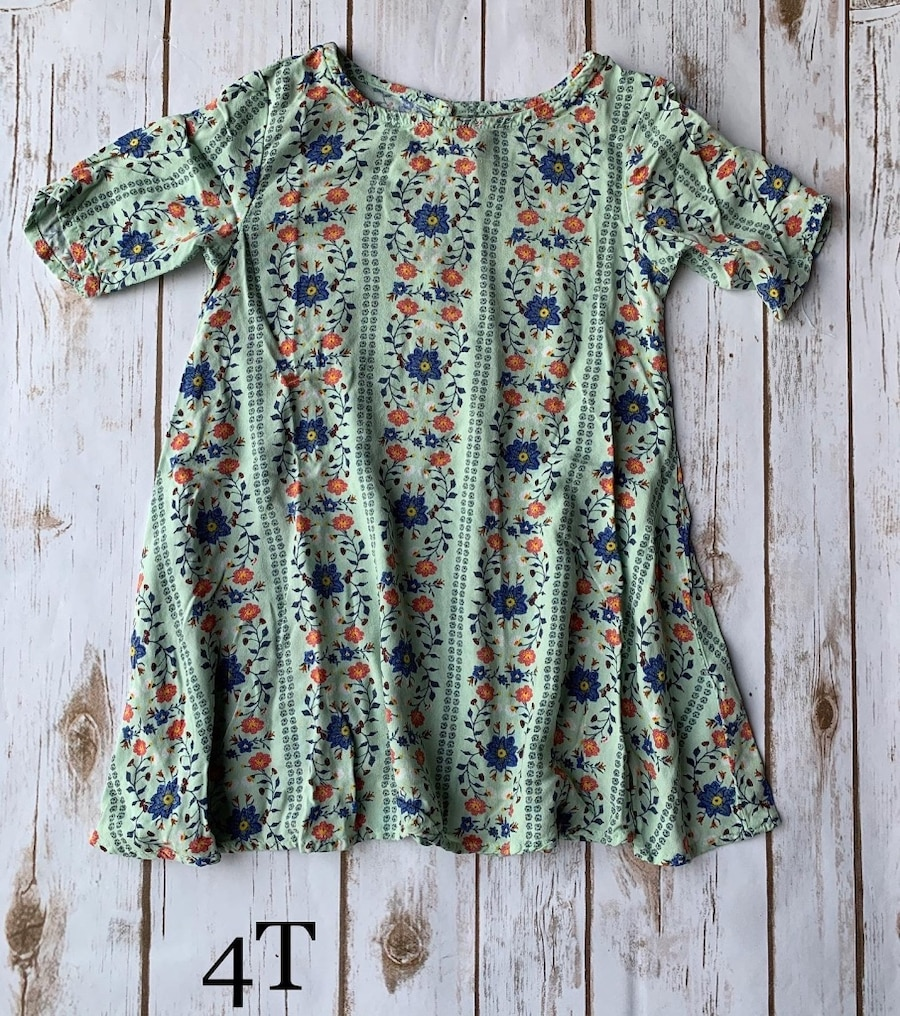 Photo Girls 4T flower dress used once