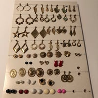 40 pairs of earrings Swansea, 62226