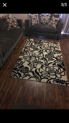 Black And White Floral Area Rug In Phoenix Letgo
