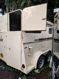 Beautiful horse trailer the floors are in excellent condition trailers