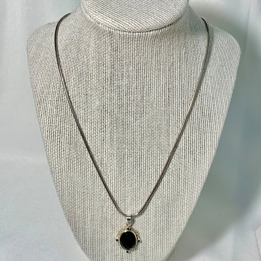 Antique Sterling Silver Black Onyx Pendant with Sterling Rope Chain 17cfe05f-3402-4930-b706-b3da428cdc3f
