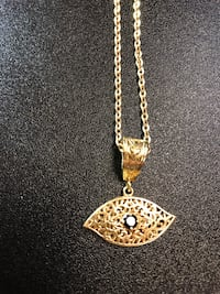 gold chain necklace with heart pendant Edmonton, T5T 4S1