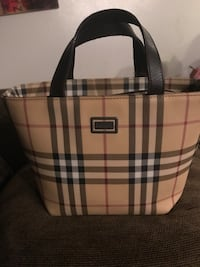Authentic Burberry purse very nice clean  San Diego, 92104