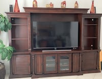Entertainment center (tv not included ) Jacksonville, 32256