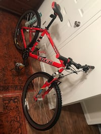 Give this as a Christmas present !!!! 2000 TREK 6500 ZX Zero Excesses Seamless Drawn Hand Built in the USA Condition like New !!!!  27 Speeds, Alpha Custom ZX Aluminum Frame, Judy XC HydraCoil Rockshox Fork, Aluminium Liner Pull Brake, Shimano Deore LX Sh Sunnyvale, 94089
