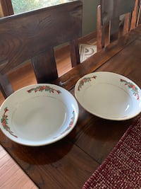 Poinsettias & Ribbons large serving bowls Westminster, 80030