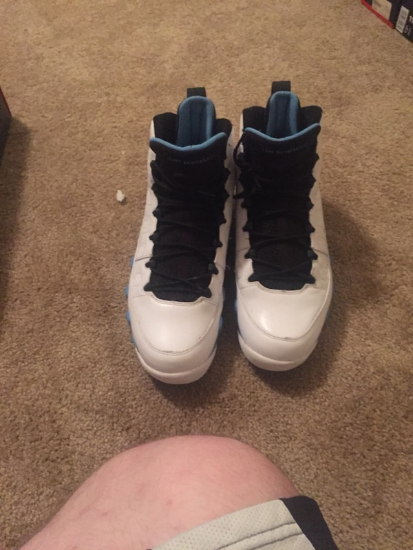 outlet store 9d058 2a0cf blue-black-and-white Air Jordan 9 basketball shoes