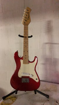 Red and white electric guitar Wadsworth, 44281
