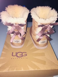 Ugg Bailey bow kids  New York, 11419