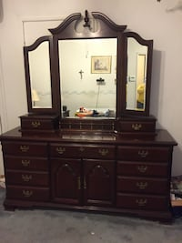 FOR SALE-Queen Anne Style Bedroom Set
