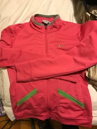 Girls Nike light jacket Calgary, T2J 2N4