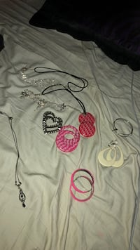 Headband necklace and earrings  Riverbank, 95367