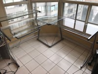 Corner unit glass desk Vaughan, L4J 7Z1