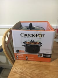 gray Crock-Pot slow cooker with box Germantown, 20874