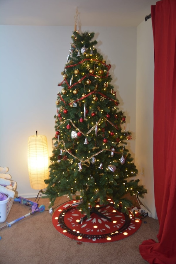 Used Pair of two 7.5 feet pre-lit Christmas trees for sale. With free wreath. for sale in Alpharetta - letgo