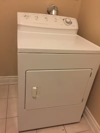 Excellent condition Gas dryer  564 km