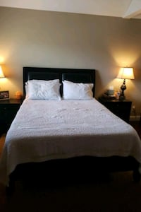 Queen size complete bed Moreno Valley, 92553