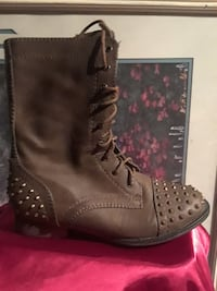 unpaired studded brown leather lace-up boot Los Banos, 93635