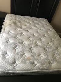 Queen sized Serta mattress, there's 2 stains as pictured. Goes to best offer, need gone TODAY! Tallahassee, 32312