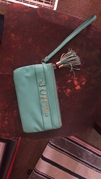 JUICY turquoise wristlet with inside pocket and card Holder.  Two sided with zip compartment for change in middle  Alexandria, 22306