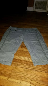 Juniors size 13 Capri Wichita, 67211