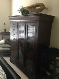 (Cherry) 15-drawer Chest of Drawers with doors $700.00 Sugar Hill, 30518