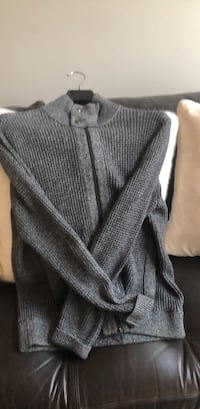 Banana Republic Gray Zippered Sweater. SIZE L   Pikesville, 21208