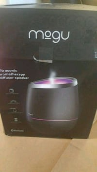 I'm selling my brand new mogu ultrasonic aromatherapy diffuser speake
