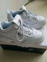 paire de chaussures blanches Nike Air Max Rennes, 35200